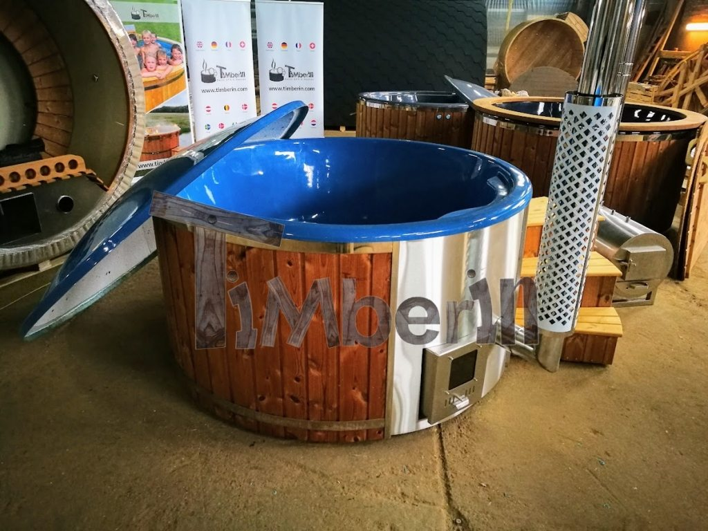 Vildmarksbad til 6-8 personer med integreret træfyret varmeapparat